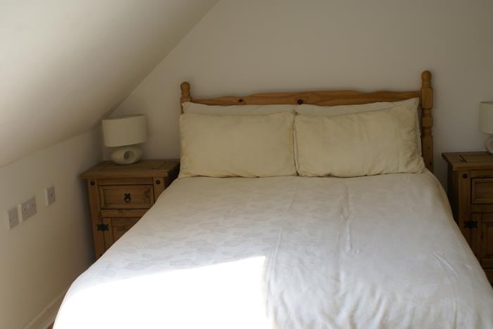 Cottage 6 Bedroom 3
